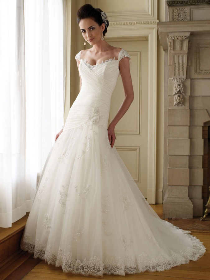 perfect-a-line-wedding-dress-with-lace-cap-sleeves-and-sweetheart-neckline 70 Breathtaking Wedding Dresses to Look like a real princess