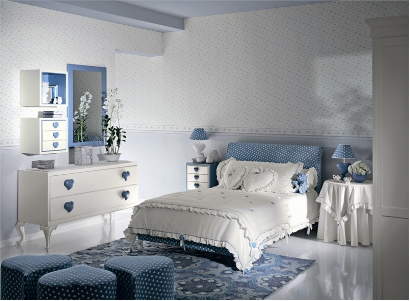retro-girls-bedrooms-with-hearts-theme Girls' Bedroom Decoration Ideas and Tips
