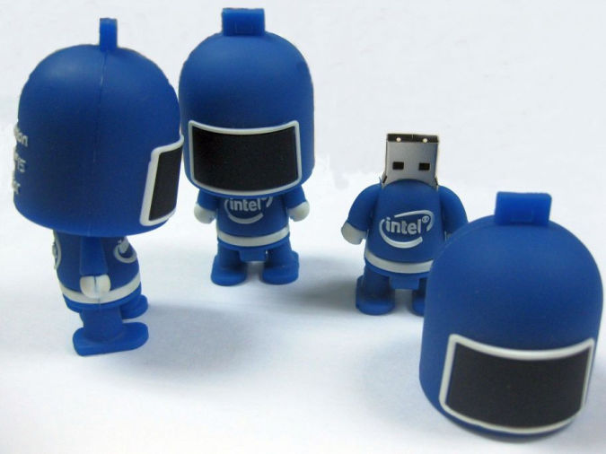 robot-USB-flash-drive Best 10 Robot Gift Ideas