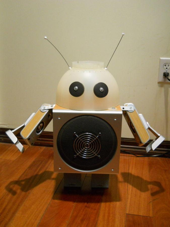 robot1 35 Amazing Robo Lamps for Your Children's Room