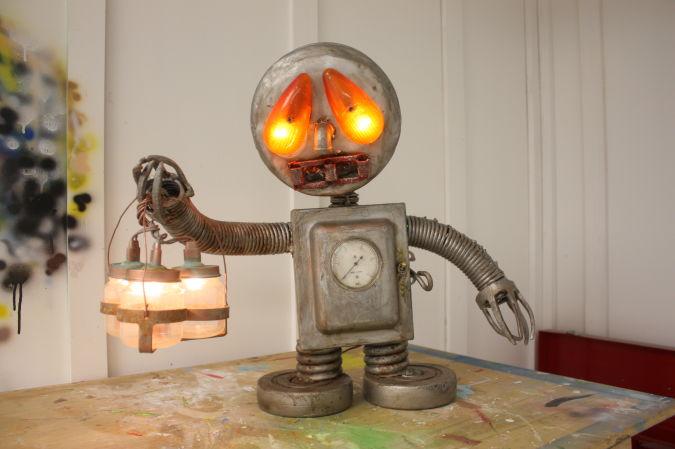 sad-robot 35 Amazing Robo Lamps for Your Children's Room