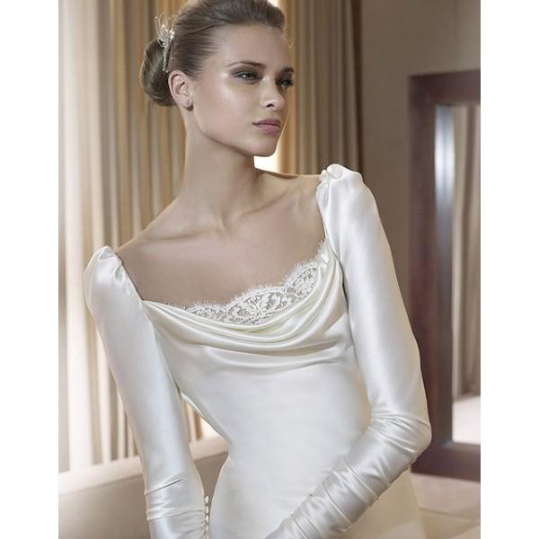 simple-long-sleeve-winter-wedding-dress 70 Breathtaking Wedding Dresses to Look like a real princess