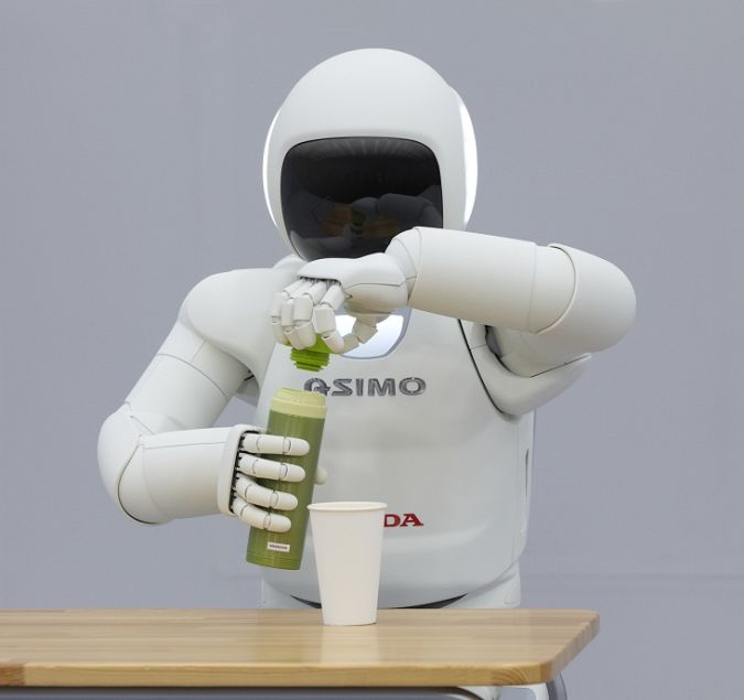 using-hands What Can Humanoid Robots Do?!