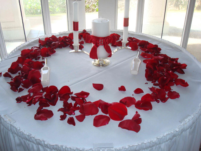wedding-flower-decorations How to Decorate Your Home Using Flowers