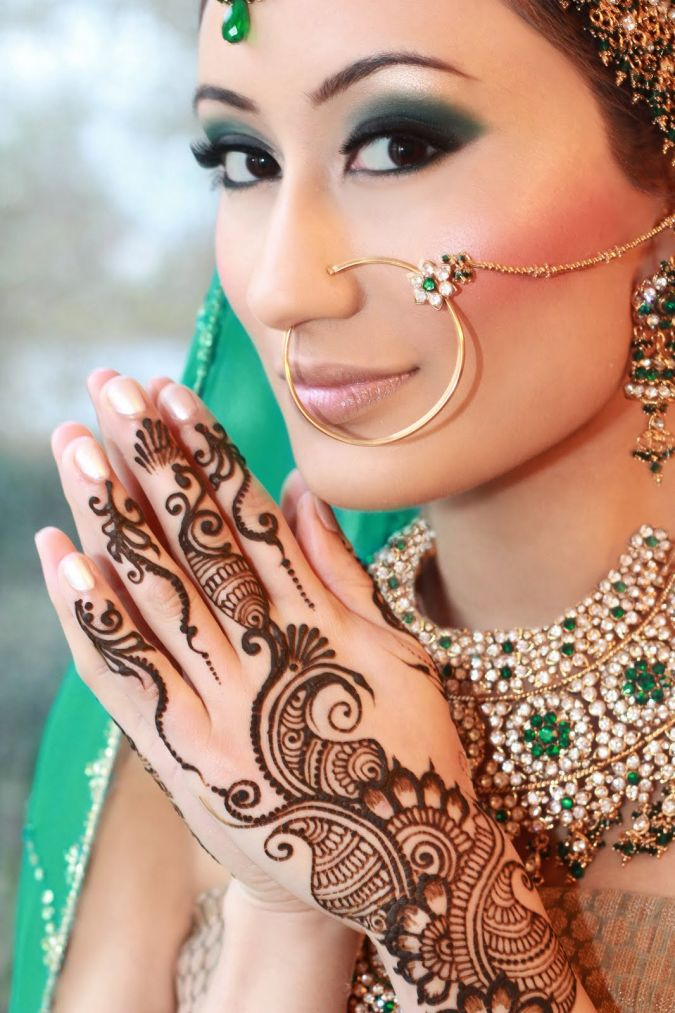 170804_198687576814395_131926413490512_878423_1890885_o Do You Like The Indian Make-Up Art ?!