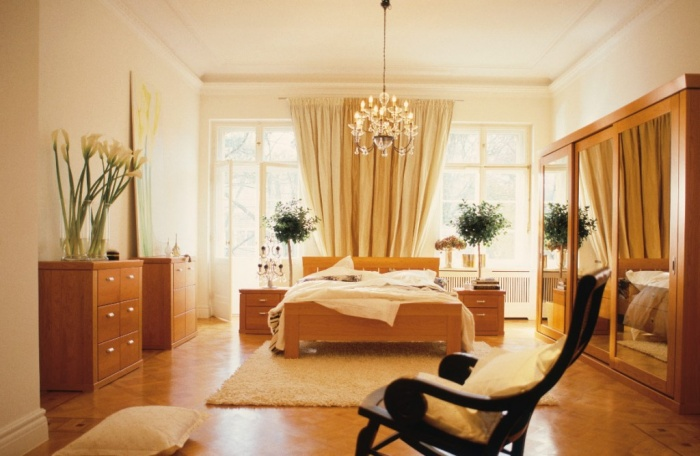 2013-big-bedroom-with-rocking-chair Fabulous and Breathtaking Bedroom Designs