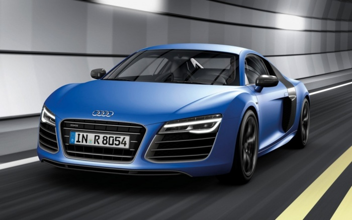 2014-Audi-R8-V10-Plus-in-tunnel Latest Audi Auto Designs