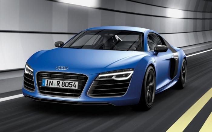 2014-Audi-R8-V10-Plus-in-tunnel Latest Audi Auto Designs