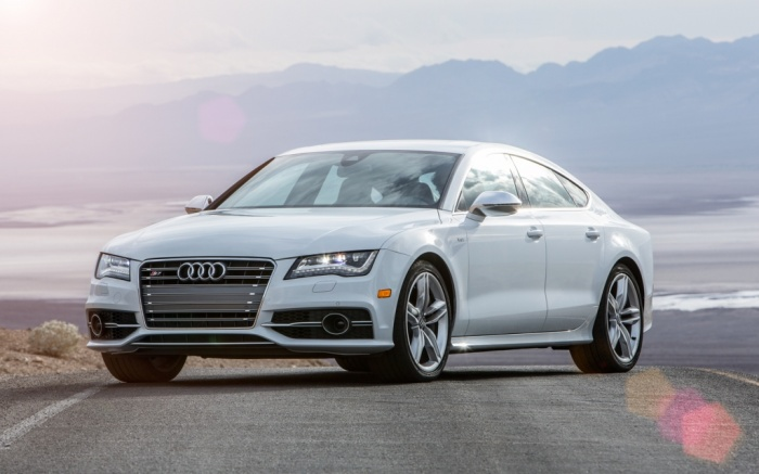 2014-Audi-S7-front-three-quarters Latest Audi Auto Designs