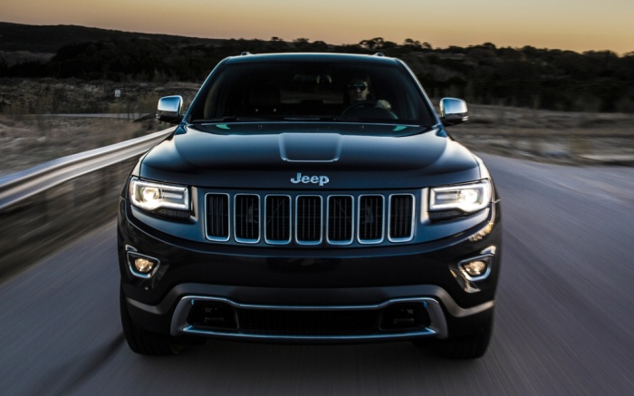 2014-Jeep-Grand-Cherokee-Diesel-front-grille The Magnificent Jeep Grand Cherokee