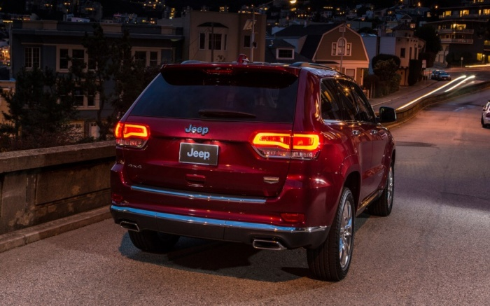2014-Jeep-Grand-Cherokee-Summit-rear-view The Magnificent Jeep Grand Cherokee