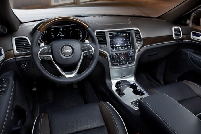 2014-jeep-grand-cherokee-cockpit The Magnificent Jeep Grand Cherokee