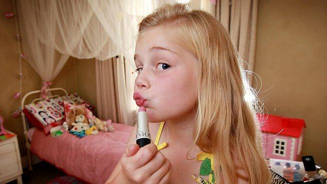 487408-kids-and-make-up Latest Make Up Art For Kids