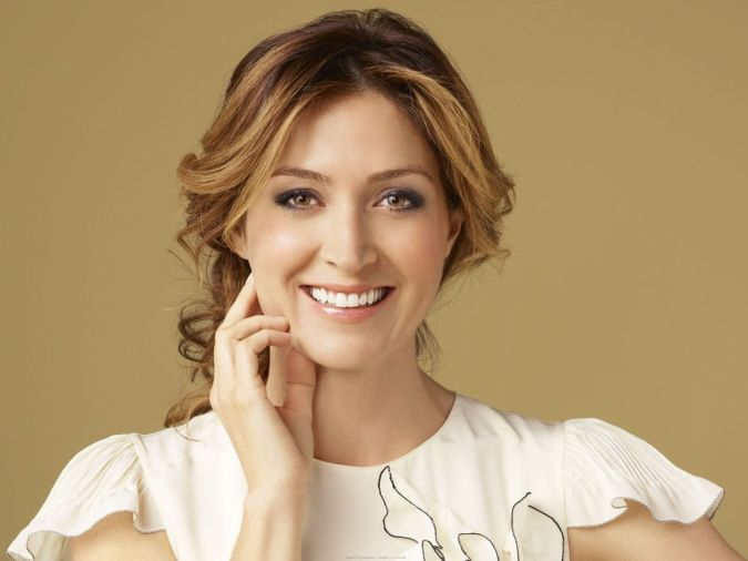 Alexander-Sasha-american-actress-beautiful-woman-smile 10 Tips to Show You How to Deal with Your In-Laws Successfully