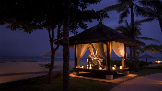 BPNCICI_Romantic-Dinner02 Top Creative Romantic Ideas For Your Sweetheart