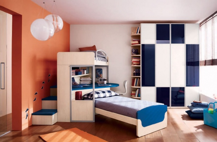 Boys-room-with-white-orange-wall-single-bunk-bed-and-study-space Fascinating and Stunning Designs for Children's Bedroom