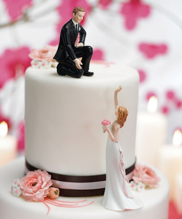 Cake-Toppers 50 Mouthwatering and Wonderful Wedding Cakes
