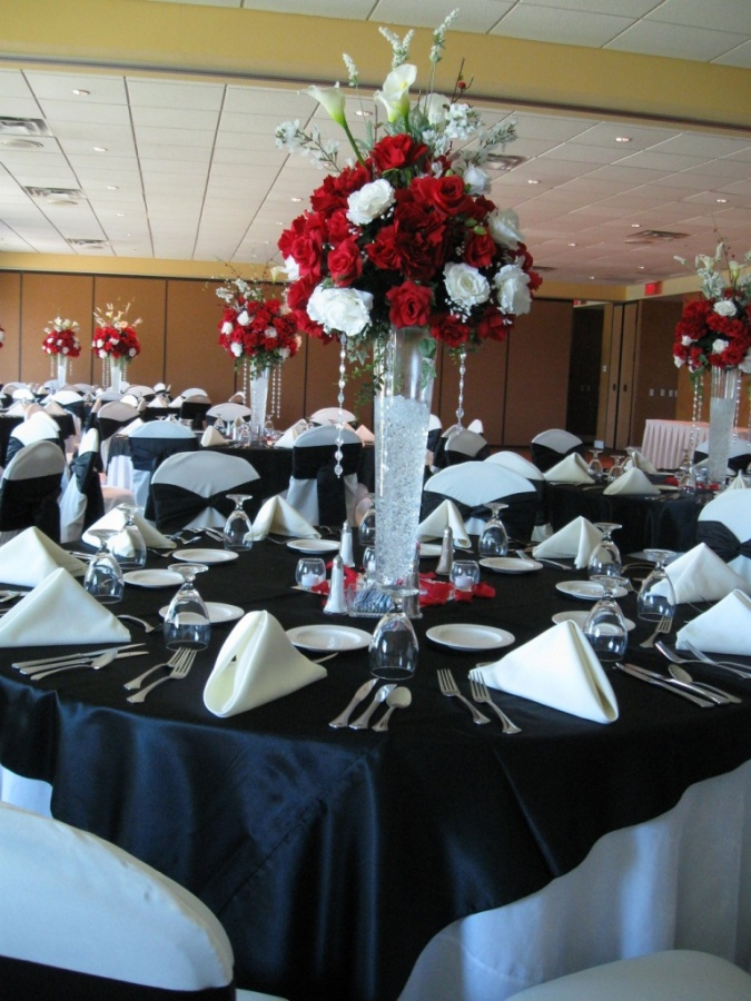 Centerpiece-4 50 Fabulous and Breathtaking Wedding Centerpieces