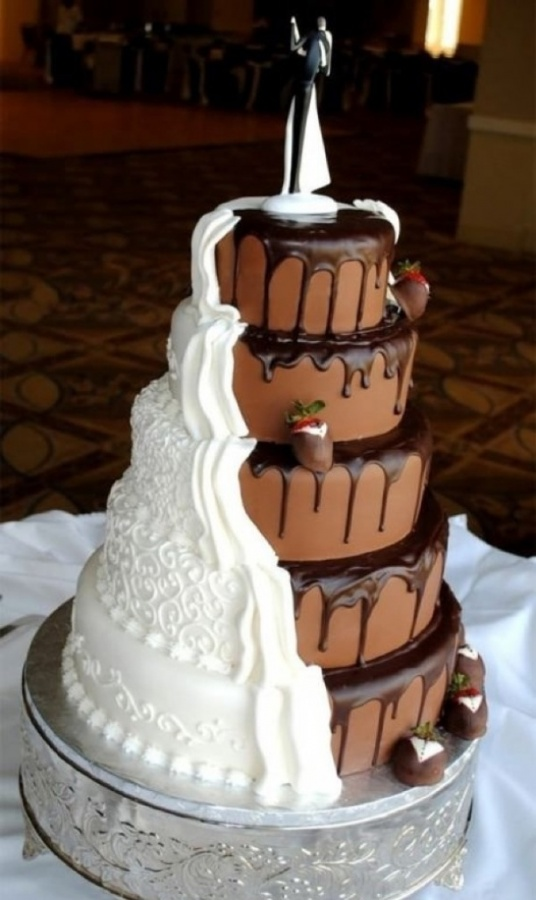 Cool_twist_on_a_wedding_cake_Img01 50 Mouthwatering and Wonderful Wedding Cakes