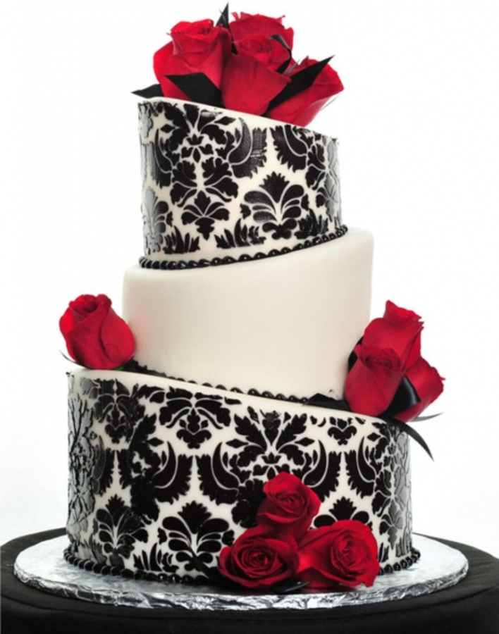 Damask-Pattern-Wedding-cake 50 Mouthwatering and Wonderful Wedding Cakes