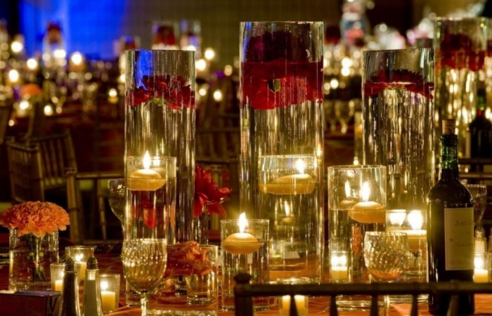 Depth-of-Tall-Glass-Vase-Centerpieces-Filled-with-Water-The-French-Bouquet-James-Walton-Photo 50 Fabulous and Breathtaking Wedding Centerpieces