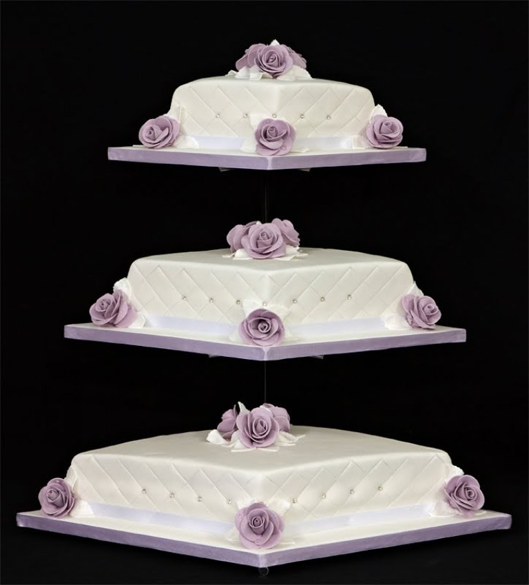Diamond-Wedding-Cake-Stand 50 Mouthwatering and Wonderful Wedding Cakes