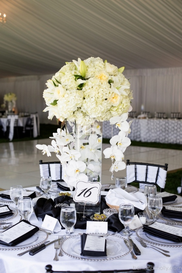 Donahue-McPherson-Wedding 50 Fabulous and Breathtaking Wedding Centerpieces