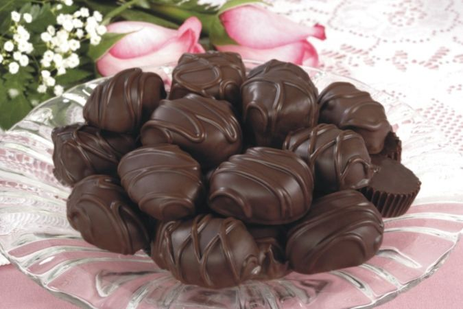 Eating-dark-chocolate 11 Tips on Mixing Antique and Modern Décor Styles