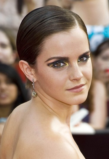 Emma-Watson-195332_L Top 12 Ugliest Celebrity Makeup