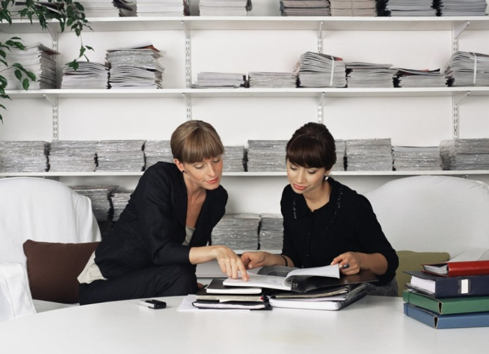 How-to-work-with-a-scary-boss How to Get Your Boss to Lessen Your Workload
