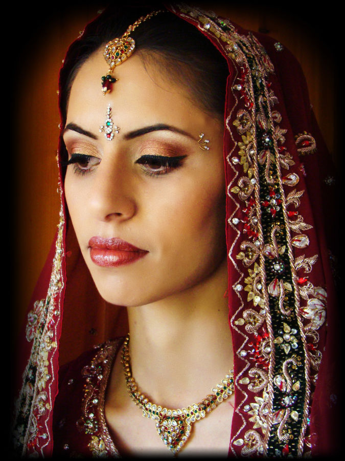 Indian_Bridal_Makeup_Zenym_Beauty_Birmingham_3 Do You Like The Indian Make-Up Art ?!