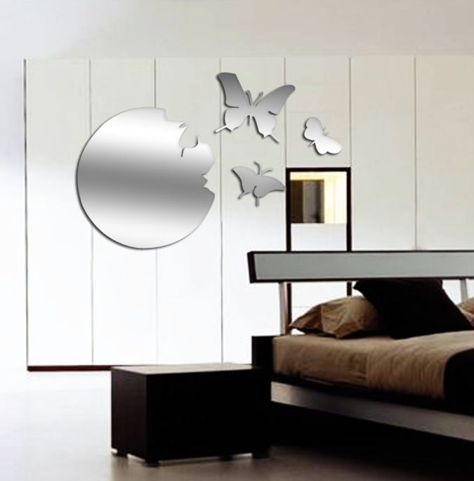 Inspiring-Minimalist-Living-Room-Decorated-With-Mirrors Make a Big Difference In Your Home By Adding Mirrors