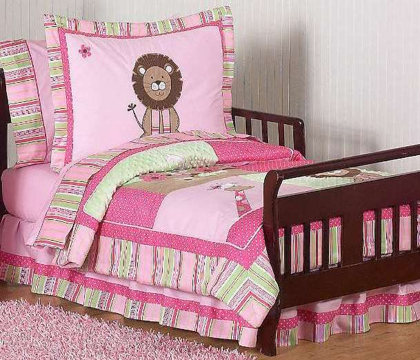 Jungle-Unique-Toddler-Bedding-Sets How To Find The Most Durable Bed Sheets For Kids?!