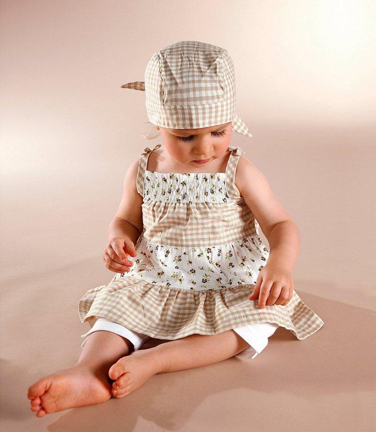 Klitzeklein-Kleid-und-Radler-Leggings-beige-weiss1 Most Stylish American Kids Clothing