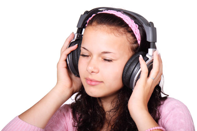 Listening-to-music How to Get Rid of Your Accent