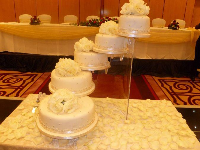 Lovely-wedding-cake-idea-by-PJR-wedding-cakes-1024x768 Wedding Planning Ideas