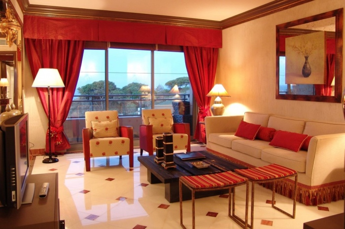 Luxury-Ideas-for-2013-Living-Room-Curtain-1024x681 Curtains Have Great Power In Changing The Look Of Your Home