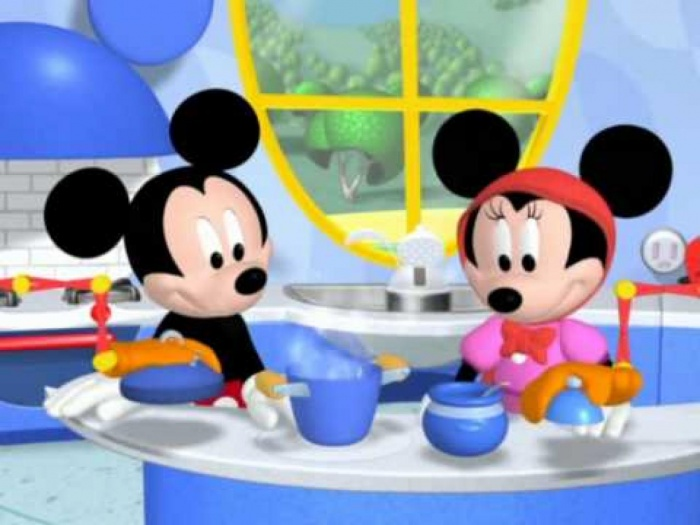 MICKEY_MOUSE_CLUBHOUSE_H_Mini_Kokkinoskoufitsa_Minnie_Red_Riding_Hood_Part_1_GREEK_VERSION_ Mickey Mouse Popular Cartoon Character
