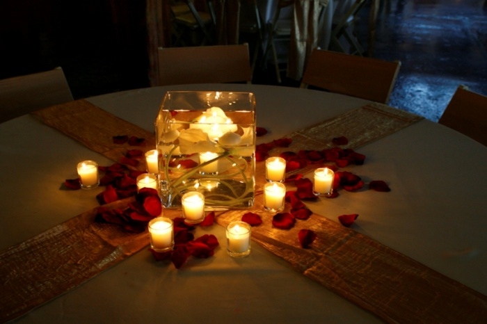 MagnoliasWedding-centerpieces 50 Fabulous and Breathtaking Wedding Centerpieces