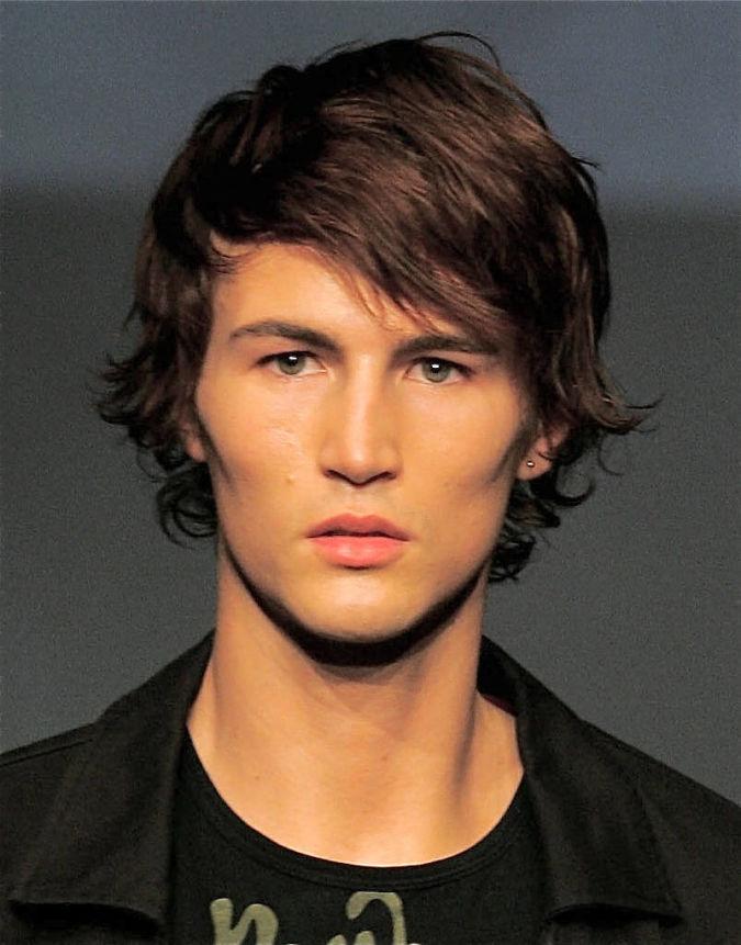 Medium_Shaggy_Hairstyles_10 Hairstyles For Men