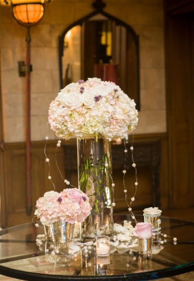 Mercury-Glass-Tall-and-Low-Centerpieces 50 Fabulous and Breathtaking Wedding Centerpieces