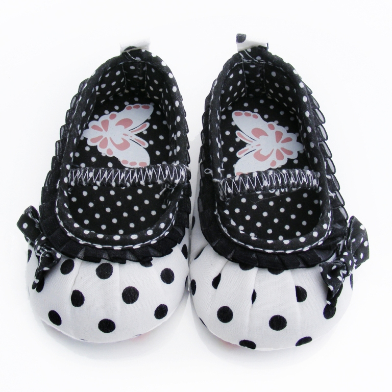 New-arrived-2013-fashion-girls-black-pleated-lace-baby-butterfly-print-toddler-shoes-first-walkers-footwear TOP 10 Stylish Baby Girls Shoes Fashion