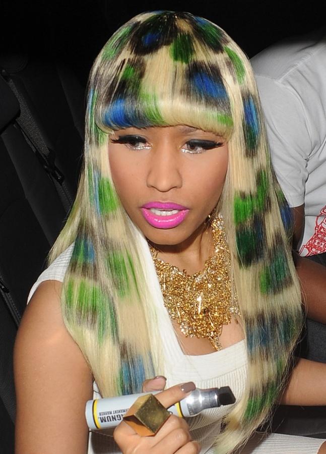 Nicki-Minaj-superbass-lyrics-album-hairstyles-6 Top 25 Weird Hairstyles For Men And Women
