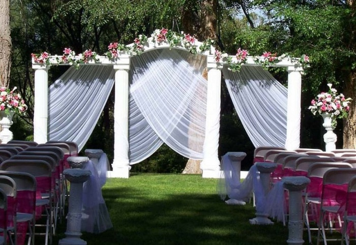 Outdoor-Wedding-Decoration-Ideas-and-Pictures Dazzling and Stunning Outdoor Wedding Decorations