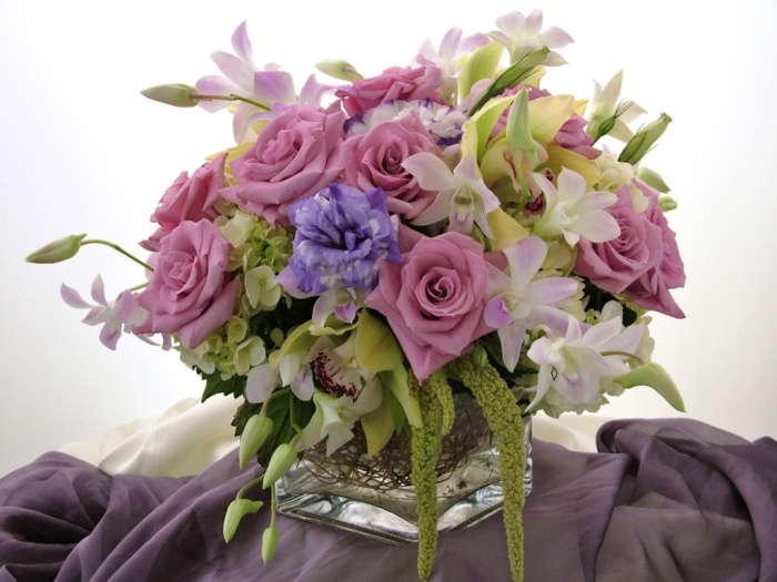 PINK_AND_PURPLE 50 Fabulous and Breathtaking Wedding Centerpieces
