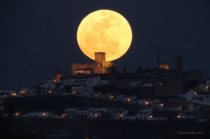 Paco-Bellido1 The Night Sky Has Been illuminated By The Brighter And Bigger Supermoon