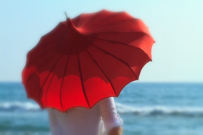 Red_Umbrella_1_W-1 Umbrellas Became Popular Among Women, Men And Even Kids