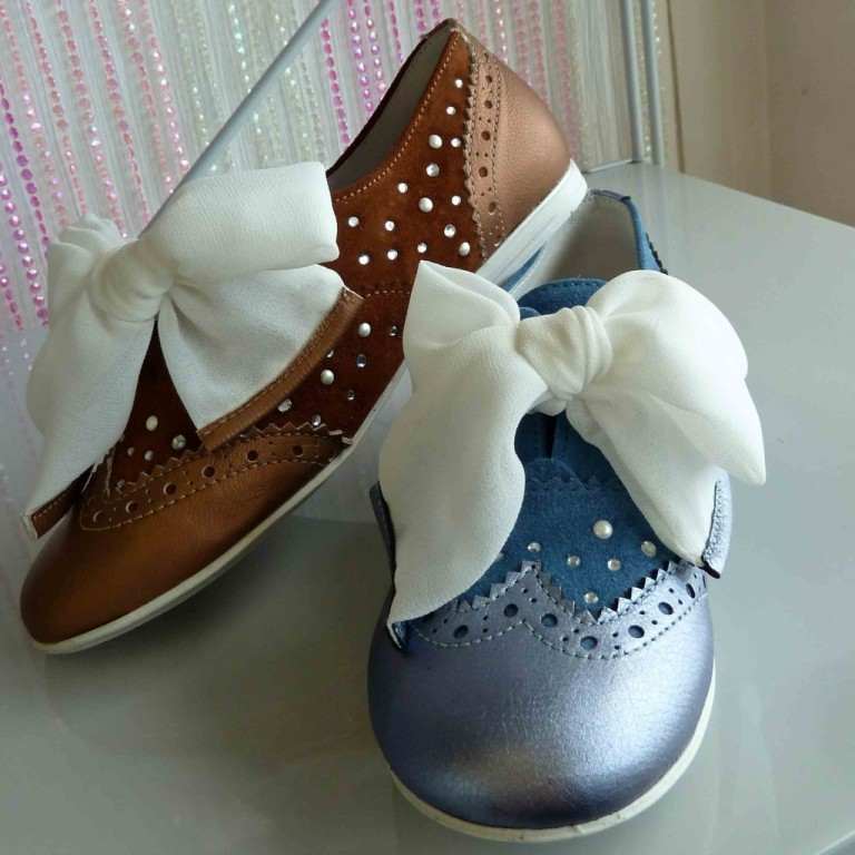 Studded-and-decorated-with-a-chiffon-fabric-bow-the-new-girls-shoes-for-spring-2013-from-Monnalisa TOP 10 Stylish Baby Girls Shoes Fashion