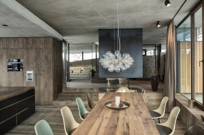 Table-With-Chairs What Are the Latest Home Decor Trends?