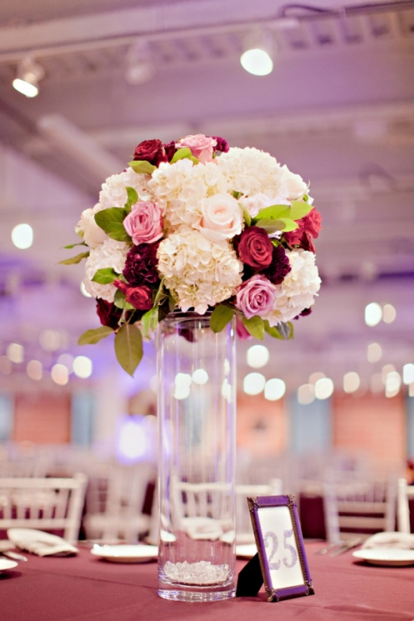 Tall-Hydrangea-and-Rose-Reception-Centerpiece 50 Fabulous and Breathtaking Wedding Centerpieces